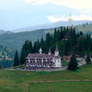Manastirea-Piatra-Fantanele
